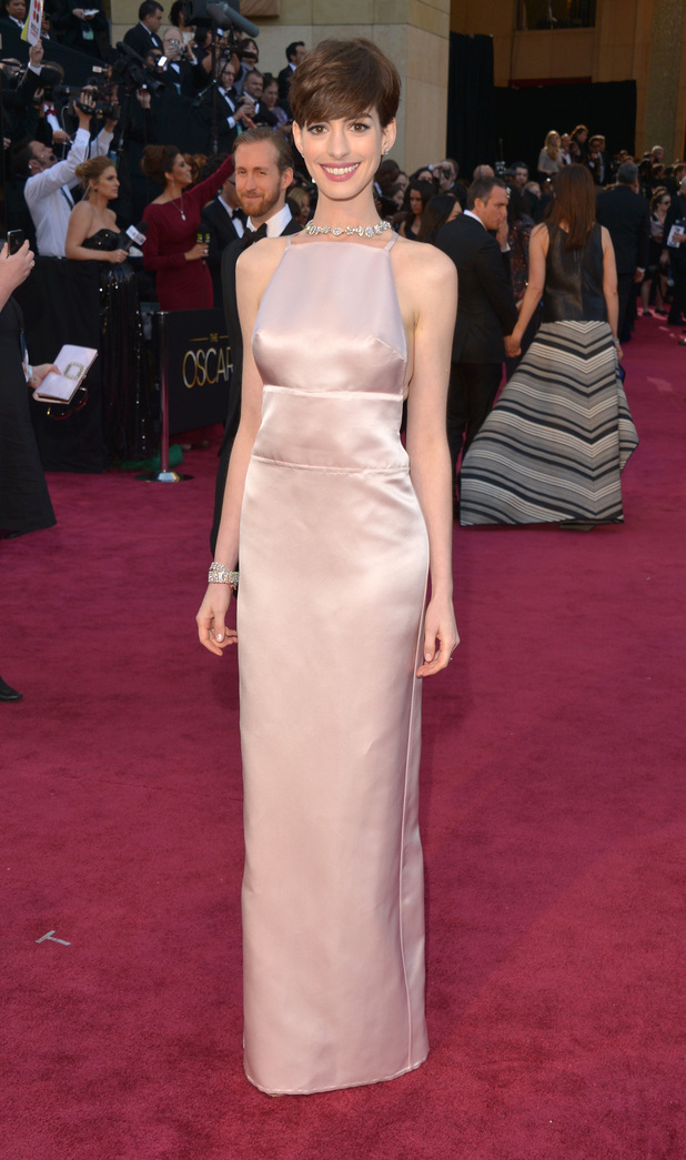 Anne Hathaway Pscars