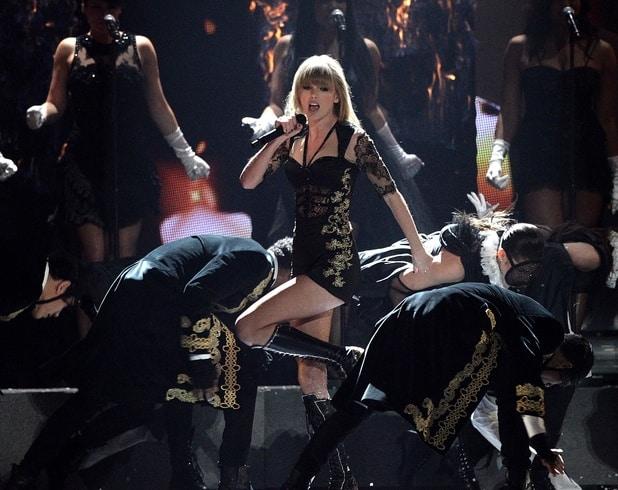 Taylor Swift Brits 2
