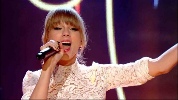 watch taylor swift on let s dance for comic relief fun kids the