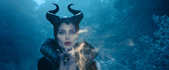 Angelina-Jolie-as-Maleficent-Disney-1