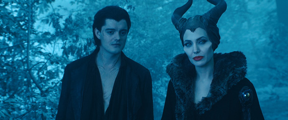 Angelina-Jolie-as-Maleficent-Disney-3