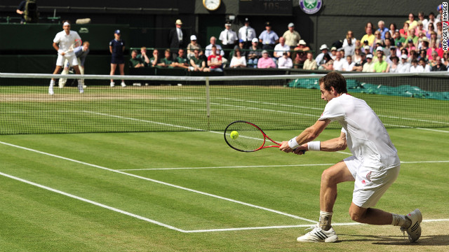 120708041857-wimbledon-murray-federer-11-horizontal-gallery