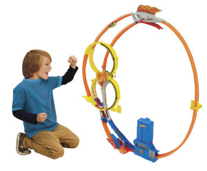 Hot-Wheels-Super-Loop-Chase-Race---Out-Of-Box