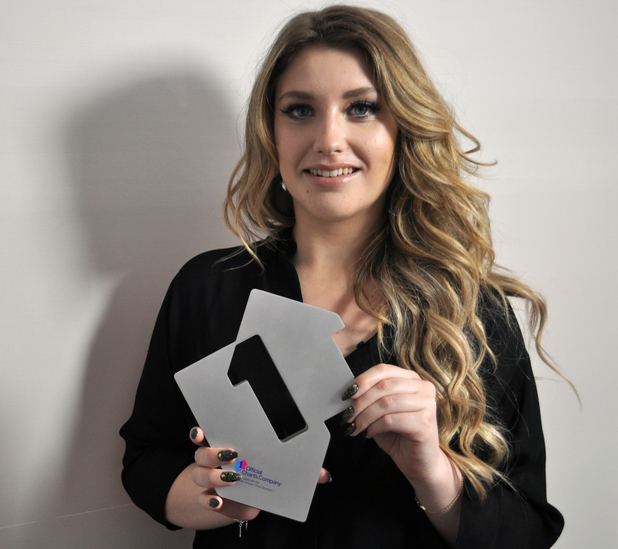 music-ella_henderson_official_number_1_award_ghost_1 (1)
