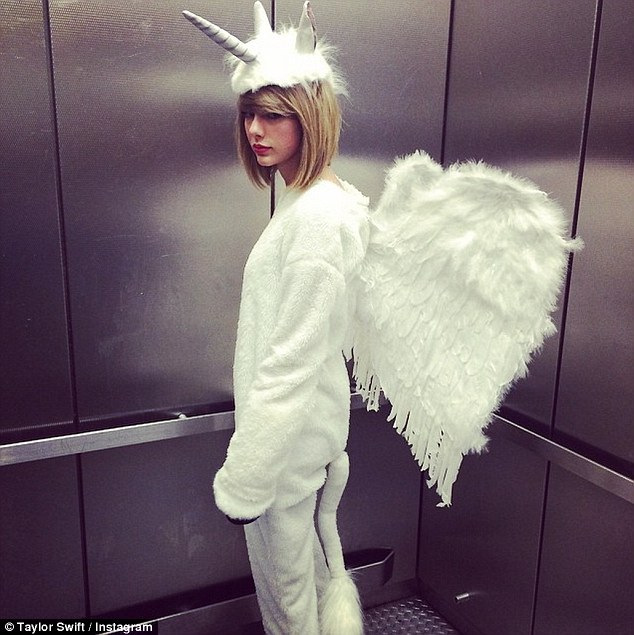 1414763433784_wps_2_taylorswift_2_hours_ago_C