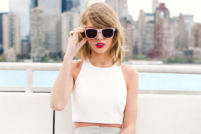 Taylor-Swift-Skyline_2014-08-18_20-59-13