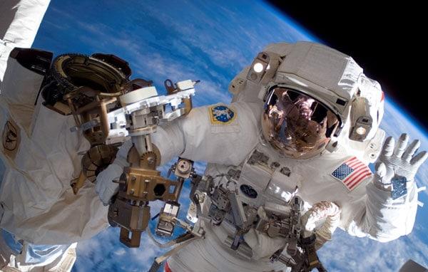 astronaut-hand