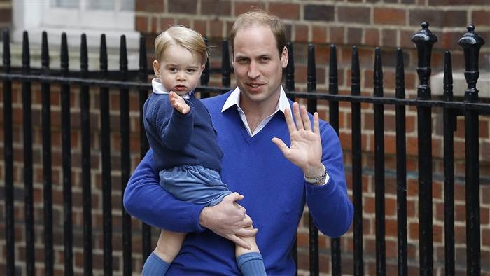 royal-baby-george-wave-today-150502-tease_83d0fe8123720e546e46fea8ac490ead.today-inline-large