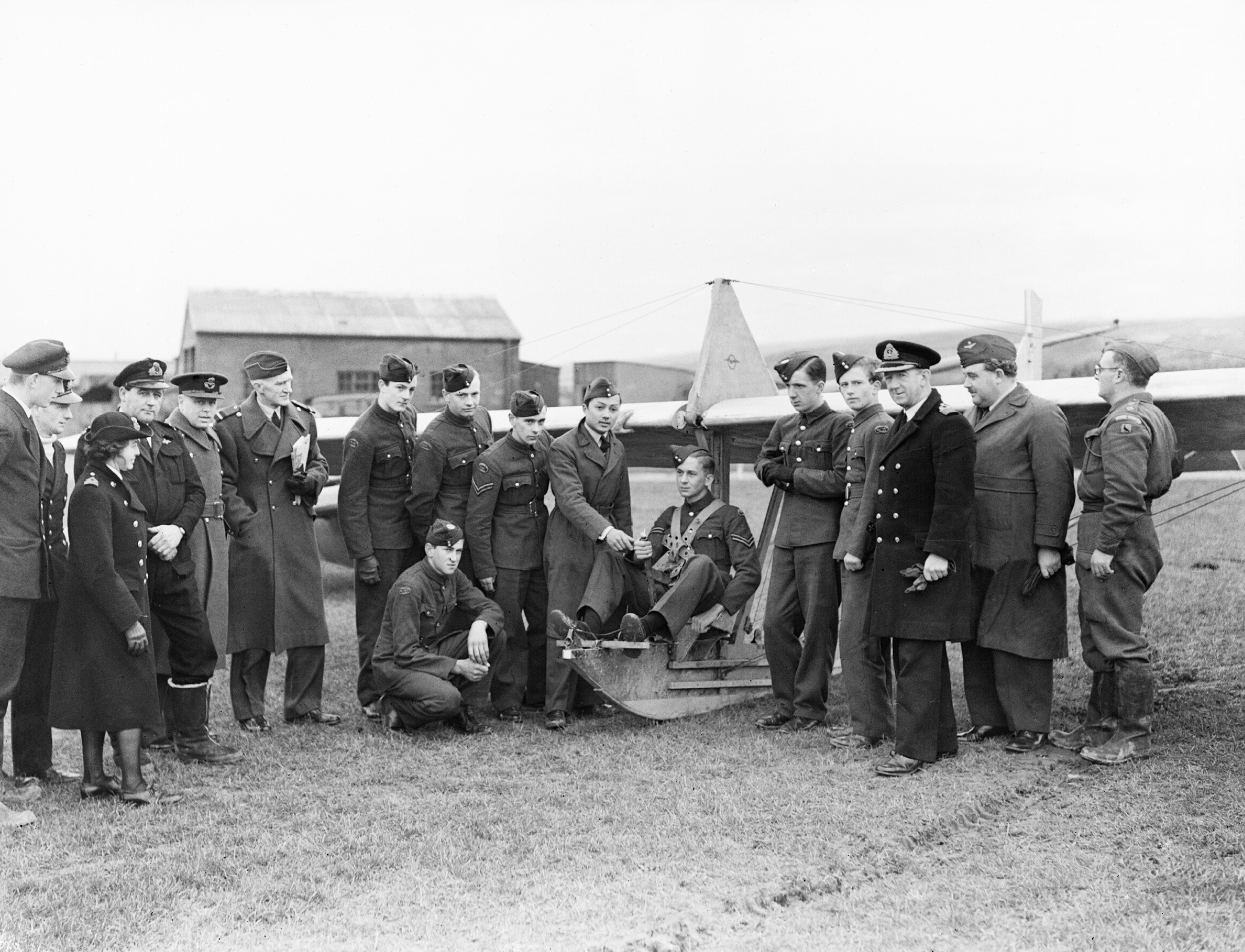 Air_cadets_learn_the_basics_of_flight_at_RNAS_St_Merryn_in_Cornwall,_February_1944._A22064