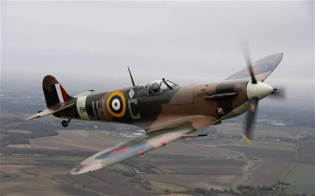 Spitfire_RAF_Manst_2177424b