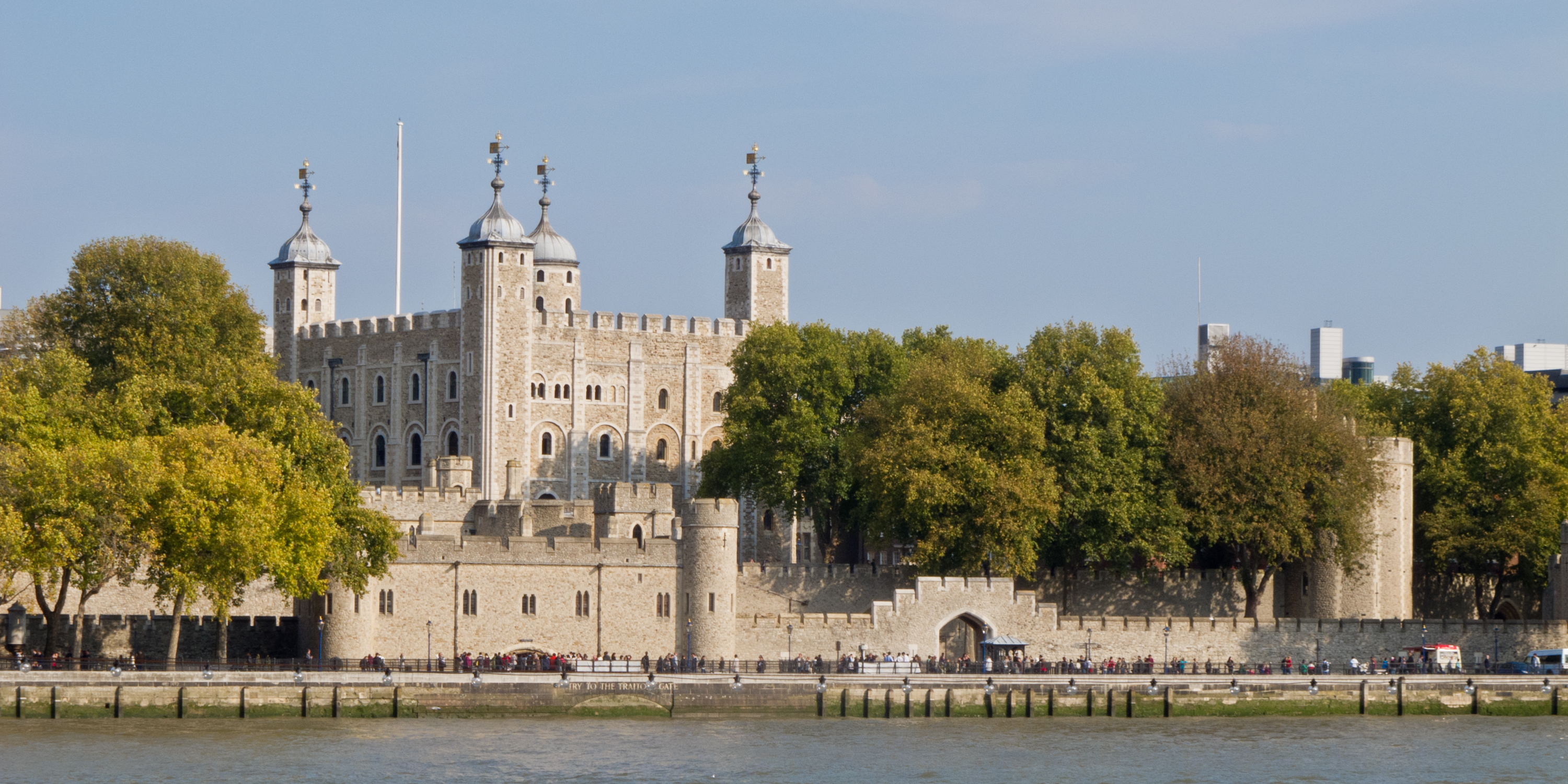 Tower_of_London_-_01