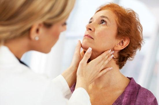 6_doctor_examining_patient