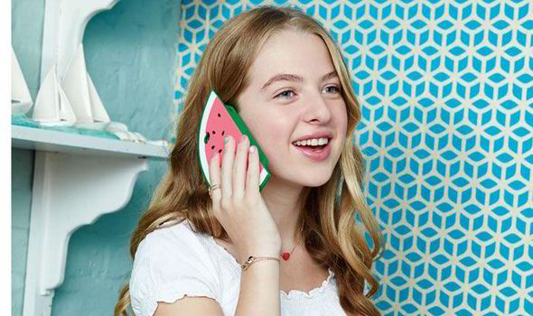Anais-Gallagher-models-for-Accessorize-tween-range-STAR-550348