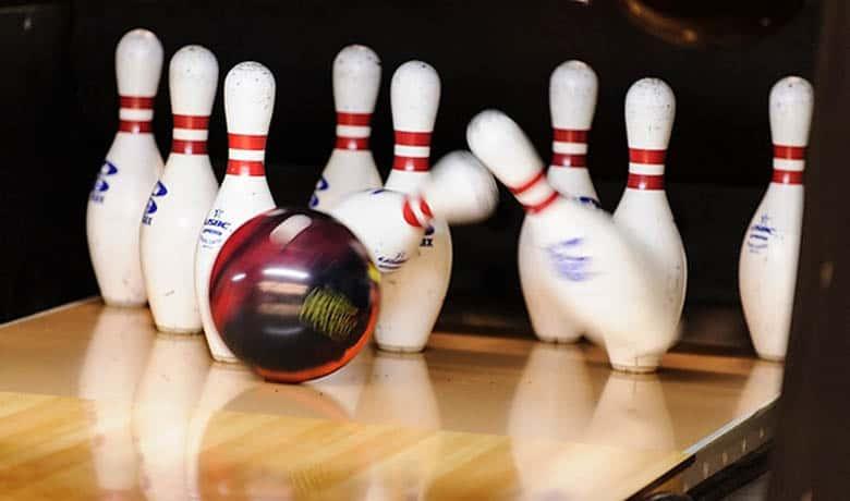 Visit-780x460-0003-Bowling