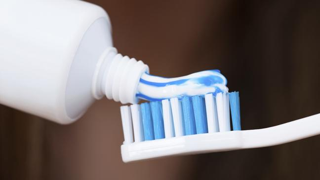 toothpaste-uses-136398490045503901-150604140617