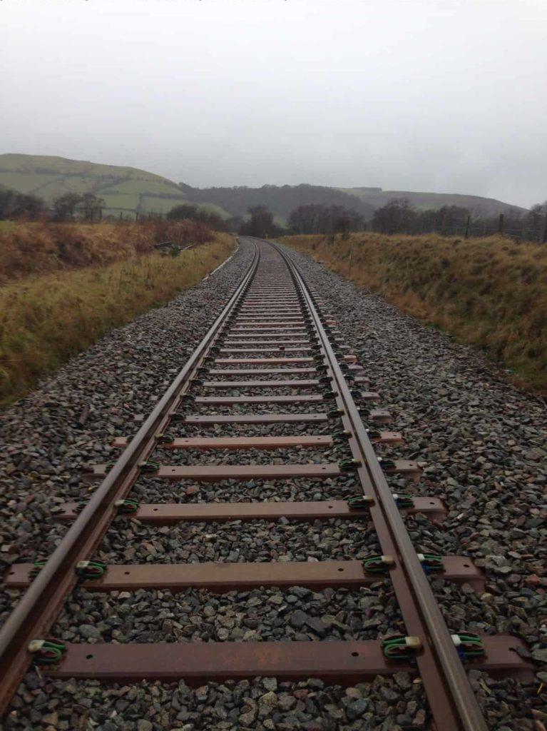how to make train tracks terraria